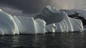 Antarctic observatories register 400 parts per million of carbon dioxide for the first time
