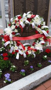 DAR Honors Veterans with Ribbons of Respect