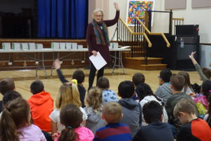 Rotary Distributes Dictionaries to Third Graders