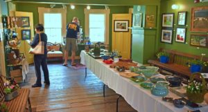 Spring Arts and Fine Crafts Show offers Mother's Day gifts